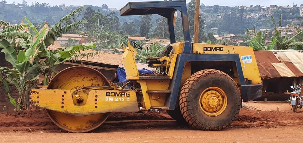 Travaux de réhabilitation de l'axe routier Dschang Fongo-Tongo : engins de chantier, prenez le commandement