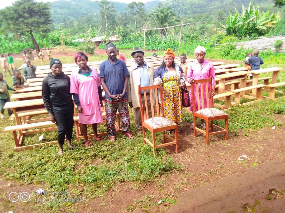 Accompagnement de l'éducation des jeunes Fongo-Tongo : la mairie dote l'école publique d'Apang des tables bancs et bureaux