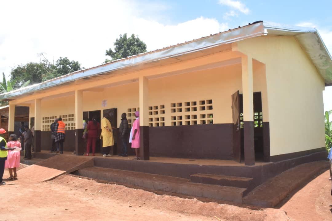 Amélioration des infrastructures scolaires à Fongo-Tongo : l'école publique d'Apang se dote d'un bâtiment de deux salles de classe