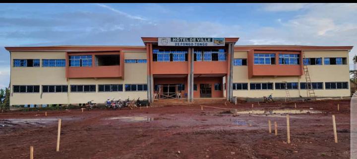 Hôtel de Ville de Fongo-Tongo : les travaux d'aménagement se poursuivent