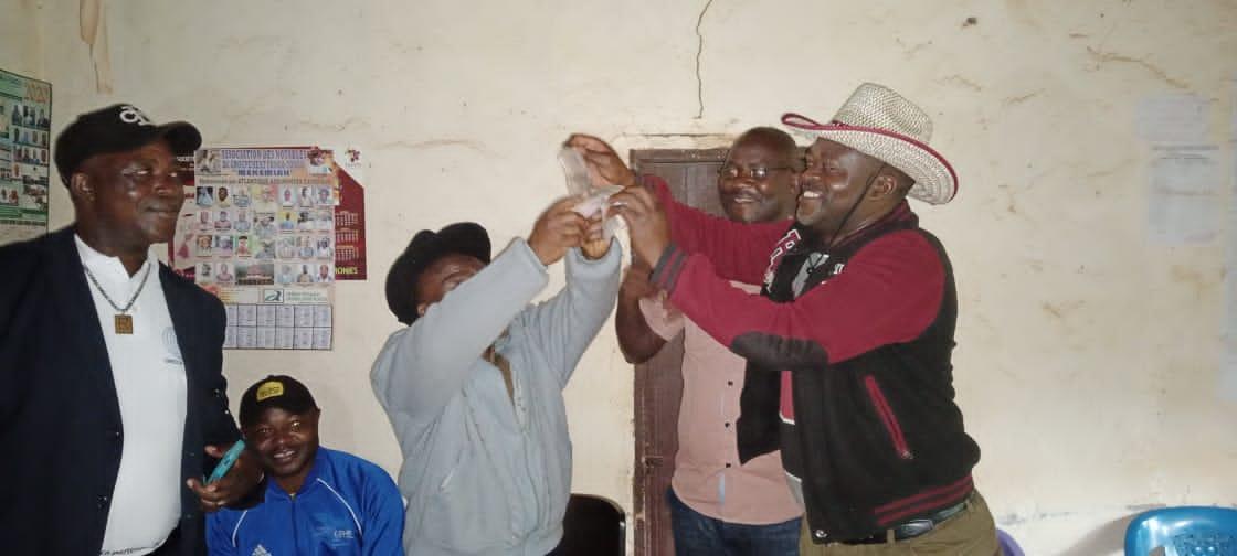 Reprise du championnat Fongo-Tongo à Dschang : le soutien de poids du Maire Paul DONGUE à hauteur de 1.200.000 FCFA